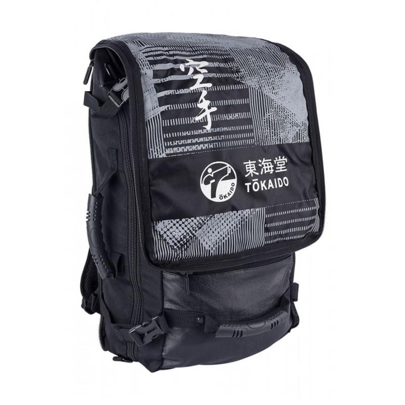 TOKAIDO Athletic Karate Taske/Rygsæk - TOKAIDO Athletic Karate Taske/Rygsæk Denne sportstaske/rygsæk fra TOKAIDO er en rigtig all-rounder. Kompakt og rummelig på samme tid - det er den ideelle følgesvend til din træning eller som praktisk rejsetaske. Flere bredde gummi håndtag gør at du både k