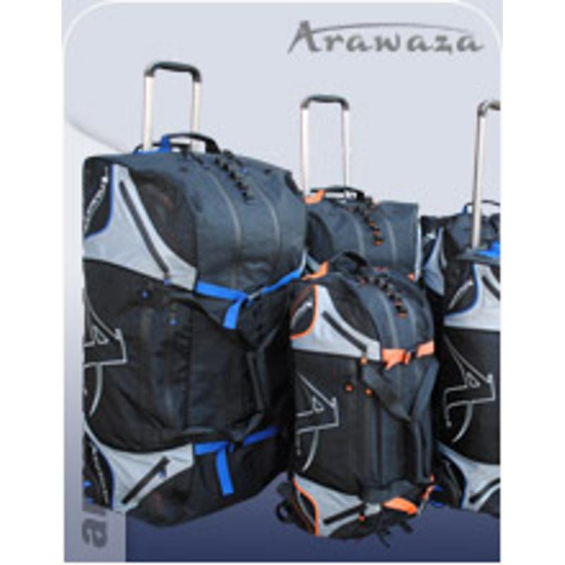 ARAWAZA Technical Sportstaske Trolley - ARAWAZA Technical Sportstaske Trolley Udviklet og patenteret af Arawaza, det ultimative inden for sportstasker Tilpasning til næsten enhver sport, Arawaza rygsække og Trolley bliver en uundværlig følgesvend til alle sportsbegivenheder. Fremstillet af mate